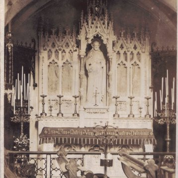 Altar to the Sacred Heart of Jesus